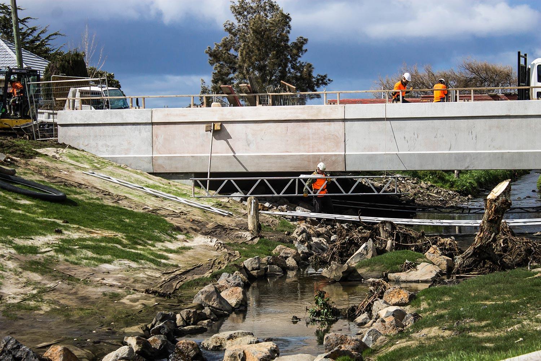 hessian-ecomat-construction