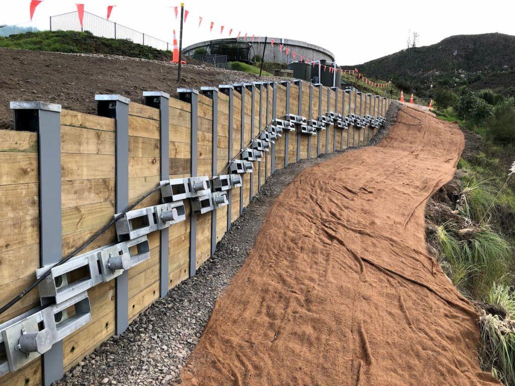 Poplar Lane Retaining Wall – Platipus® Earth Anchors